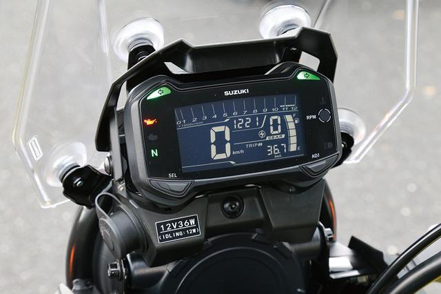 画像: 大型の液晶パネルを使用した多機能メーターは、速度計、回転計など9つの機能を備える。サイドには各種インジケーターも装備する。