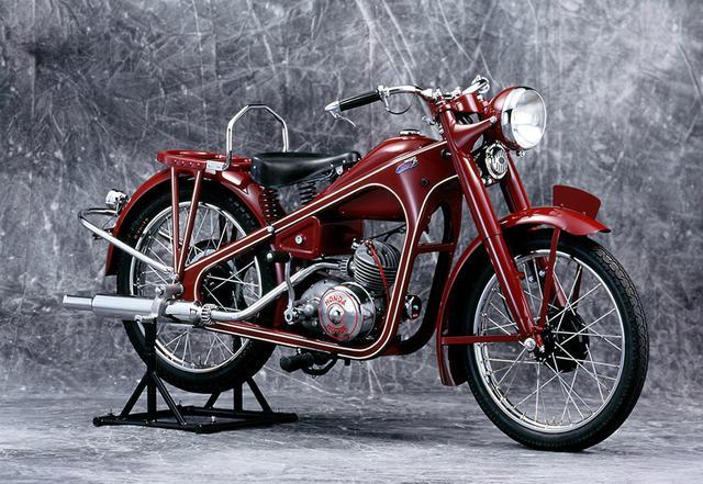 画像: 1949年 ドリームD型(本格的な二輪車の第一号モデル 生産国:日本)