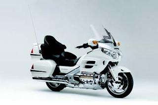 ホンダ ゴールドウイング<30周年記念モデル> 2005 年 4月
