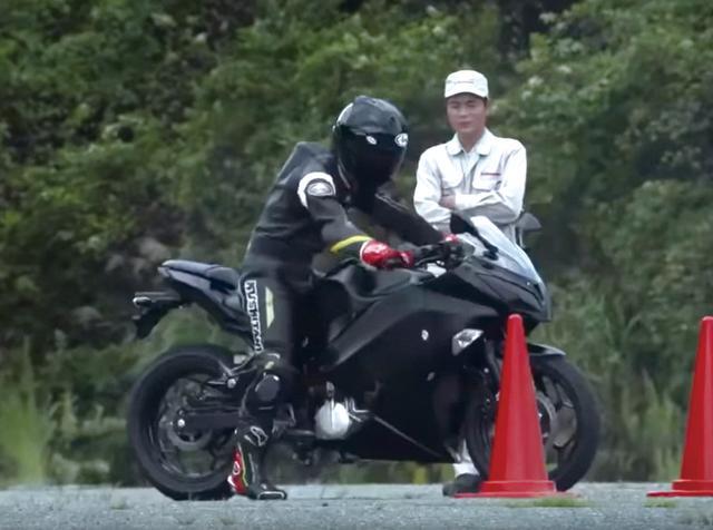 画像1: カワサキが突如発表した電動バイク「EV PROJECT」を考察! 4速マニュアルミッションに回生ブレーキも搭載