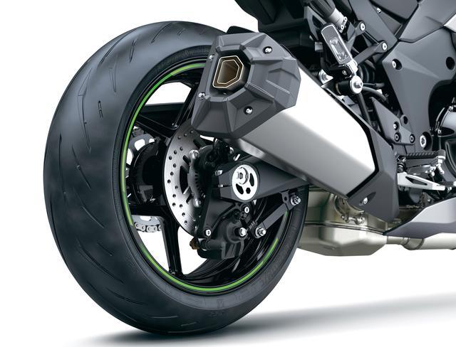 画像: リアサスペンションやブレーキ周りも、フロントと同じく従来モデルから引き継がれている。KIBS(アンチロックブレーキ)も標準装備。