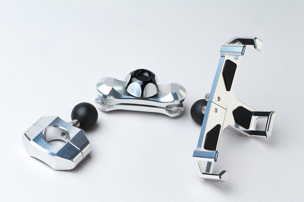 Images : 2番目の画像 - 「「工芸品」といえる品質の二輪用スマホホルダー! サインハウスのマウントシステムに注目」のアルバム - webオートバイ