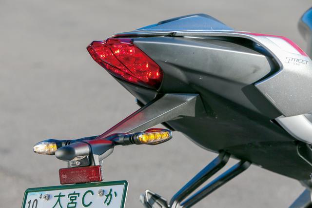 画像: テールランプとウインカーもLED。オプションでシーケンシャル点灯するタイプのLEDウインカーも用意されている。