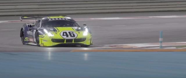 画像: 「ガルフ12時間」は、6時間、40分のインターバル、そして6時間・・・というスケジュールで行われます。ロッシのチームのフェラーリは前半6時間を6位で終え、後半戦6時間でのポジションアップに挑みます! www.youtube.com