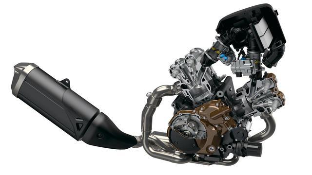 画像: 新たな排気ガス規制「ユーロ5」をクリアしながら最高出力を99psから107psにパワーアップし、低燃費化も達成した新エンジン。発進をイージーにするローrpmアシスト、セルボタンひと押しでエンジン始動するイージースタートも継続採用。