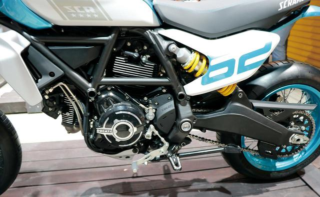 画像: スクランブラーのスタンダードエンジンといえる排気量803㏄の空冷Lツインを搭載するが、より高性能な仕様が想定されている。