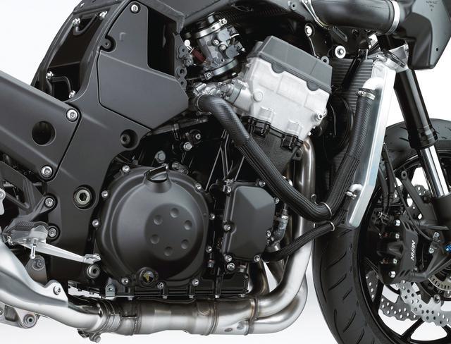 画像: 排気量1441㏄の水冷直4エンジン。大排気量を活かした広いパワーバンドと強大なトルクで、強烈な加速を可能とする。