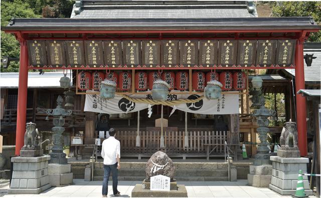 画像: 太平山神社 栃木県栃木市平井町659 神社へは駐車場にバイクを停めて階段で上がることもできるし、境内までバイクで行くことも出来ます。どちらにしても、登った後に見える景色は最高。なんとスカイツリーも見えることがあるとか。境内への道路は通行禁止の時間帯があるので、注意。マナーを守って安全運転で参拝したい。