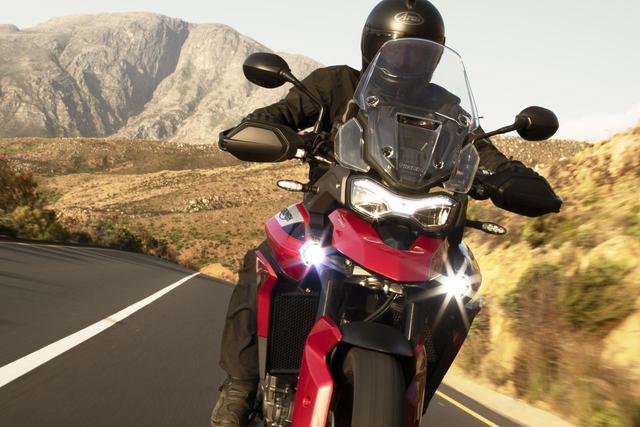 """画像: 【速報】トライアンフが本国で""""5種類""""の「タイガー900」シリーズを発表! 走行ムービーやディテール写真も公開されました! - webオートバイ"""