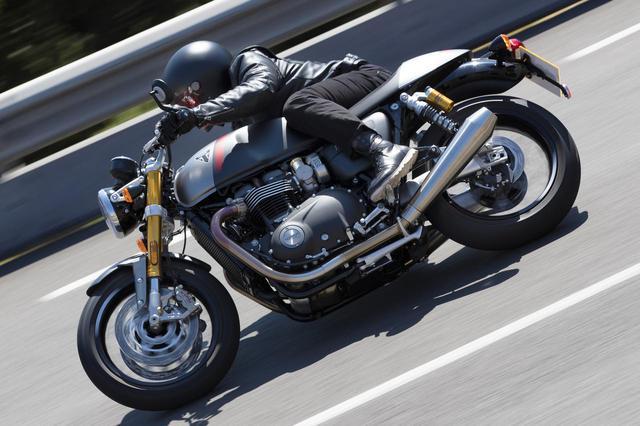 画像: トライアンフから「スラクストンRS」が新登場! 伝統と最新の融合でカフェレーサーの灯をともし続ける【EICMA 2019速報!】 - webオートバイ