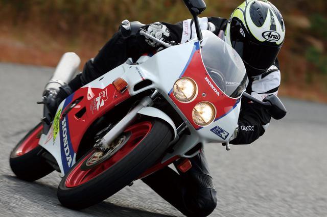 画像1: Honda CBR250RR/万能モデルはストリートでもサーキットでも活躍