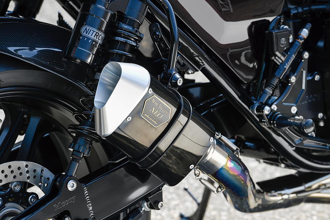 画像: 排気系はWin MccoyフルチタンNEOで4-1レイアウトの外観に4-2-1の特性を作り込んでいる。サイレンサーもMccoy NEOのショートをチョイスする。