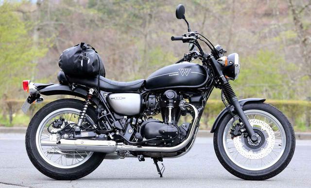 画像: カワサキW800ストリート/カフェは、荷物の積みやすさナンバーワン!? ツーリングバイクとしてすこぶる優秀です! - webオートバイ
