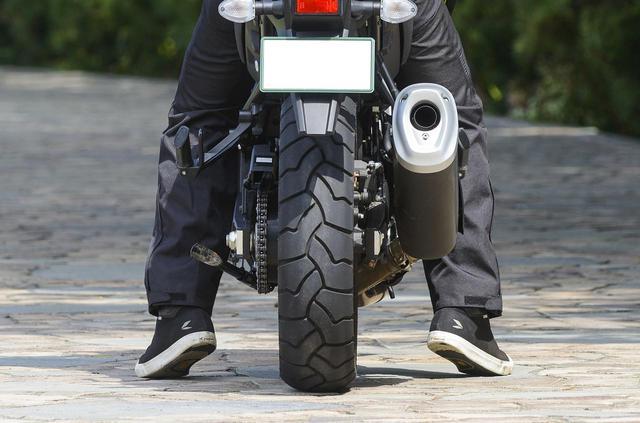 画像2: Vストローム1000XT ABSの足つき性と燃費をチェック!