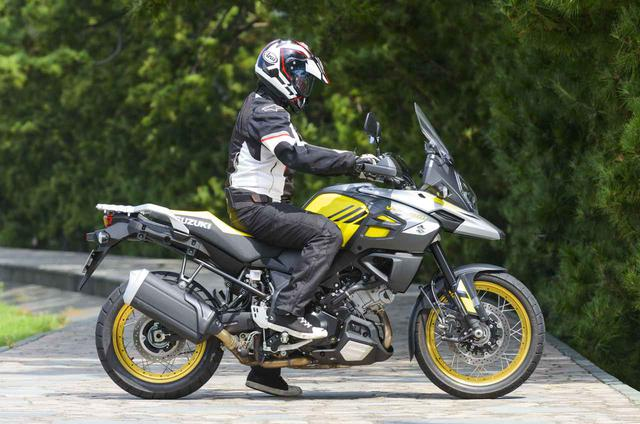 画像1: Vストローム1000XT ABSの足つき性と燃費をチェック!