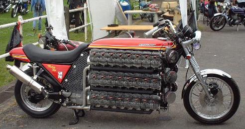 画像: カスタムといってもいろいろなバイクがあるものです「48気筒・4200cc」 - LAWRENCE - Motorcycle x Cars + α = Your Life.