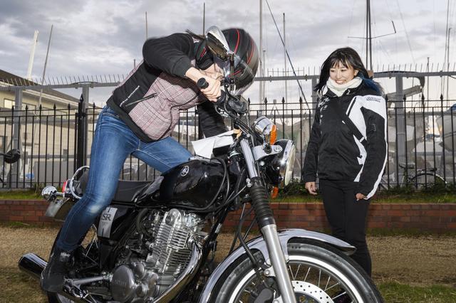 画像2: ごはんの後はバイク談義♪