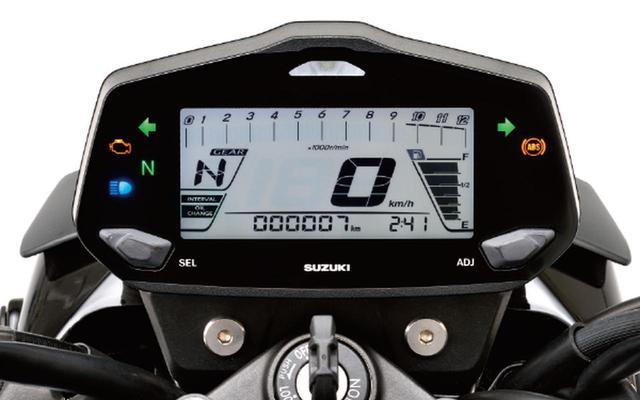 画像: 時計やギアポジション表示などの便利機能を搭載したフル液晶デジタルメーターを装備。また、オイルチェンジインジケーターを採用し、初回1000km以降3000km毎に交換時期をお知らせ