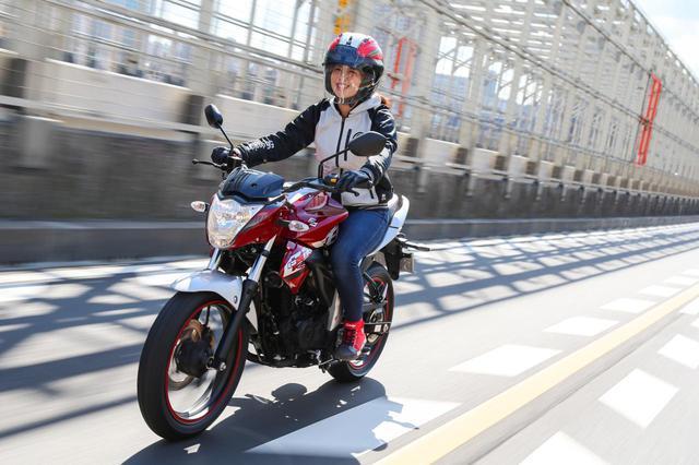画像: ほぼ月刊「梅本まどかとオートバイ」vol.20 SUZUKI GIXXER(ジクサー) - webオートバイ