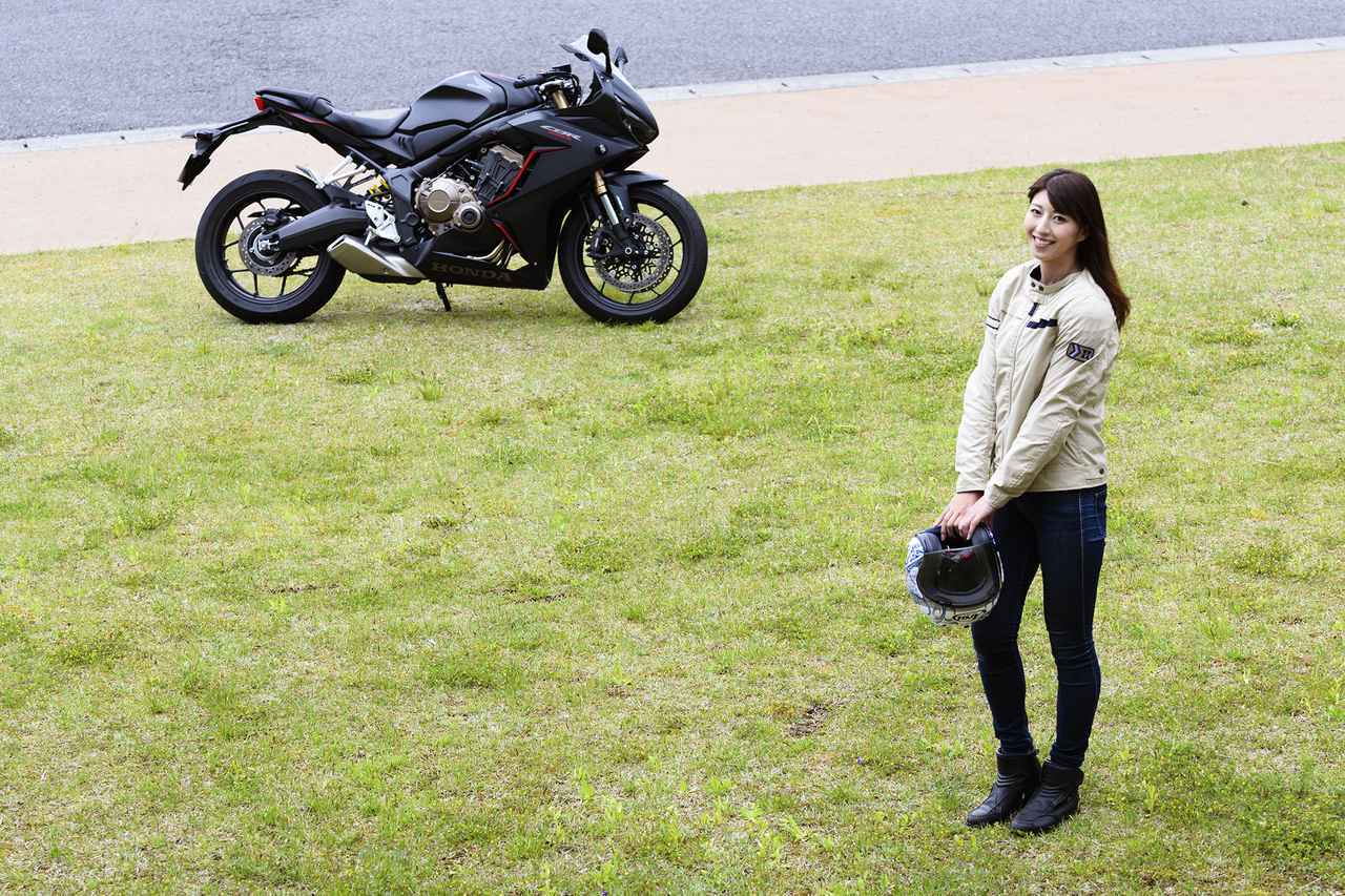 画像2: 大関さおり×Honda CBR650R【オートバイ女子部のフォトアルバム】