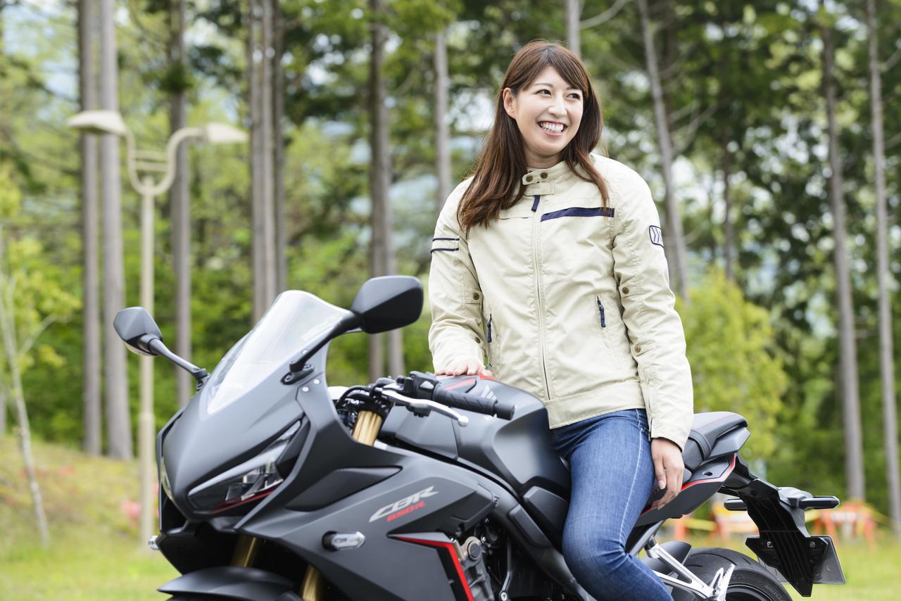 画像1: 大関さおり×Honda CBR650R【オートバイ女子部のフォトアルバム】