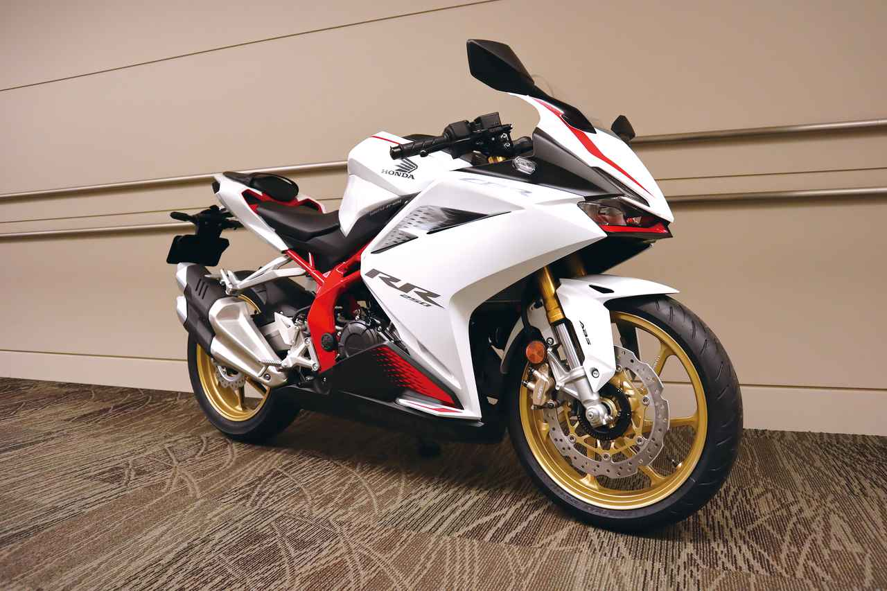 Images : 3番目の画像 - 「CBR250RR」ホワイト(市販予定車)2020年ニューカラーの写真をもっと見る - webオートバイ