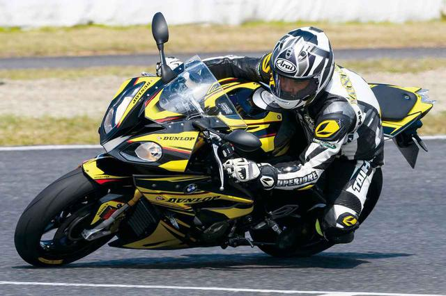 画像: 元WGPライダーのタイヤインプレ! アメリカ生まれのハイパースポーツラジアルタイヤ『DUNLOP SPORTMAX Q4』 - webオートバイ