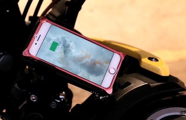 画像2: ライズインターナショナルの「ワイヤレスチャージャー&バイクマウント」が凄い!