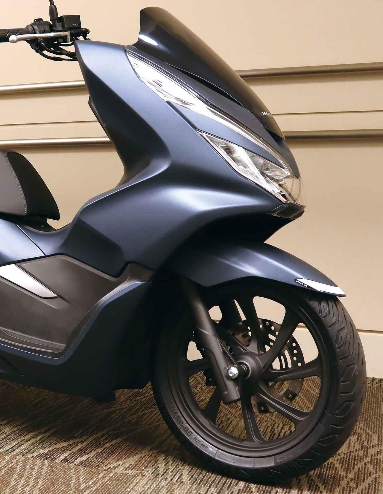 Images : 3番目の画像 - 「PCX」ブルーメタリック(受注期間限定カラー)の写真をもっと見る - webオートバイ