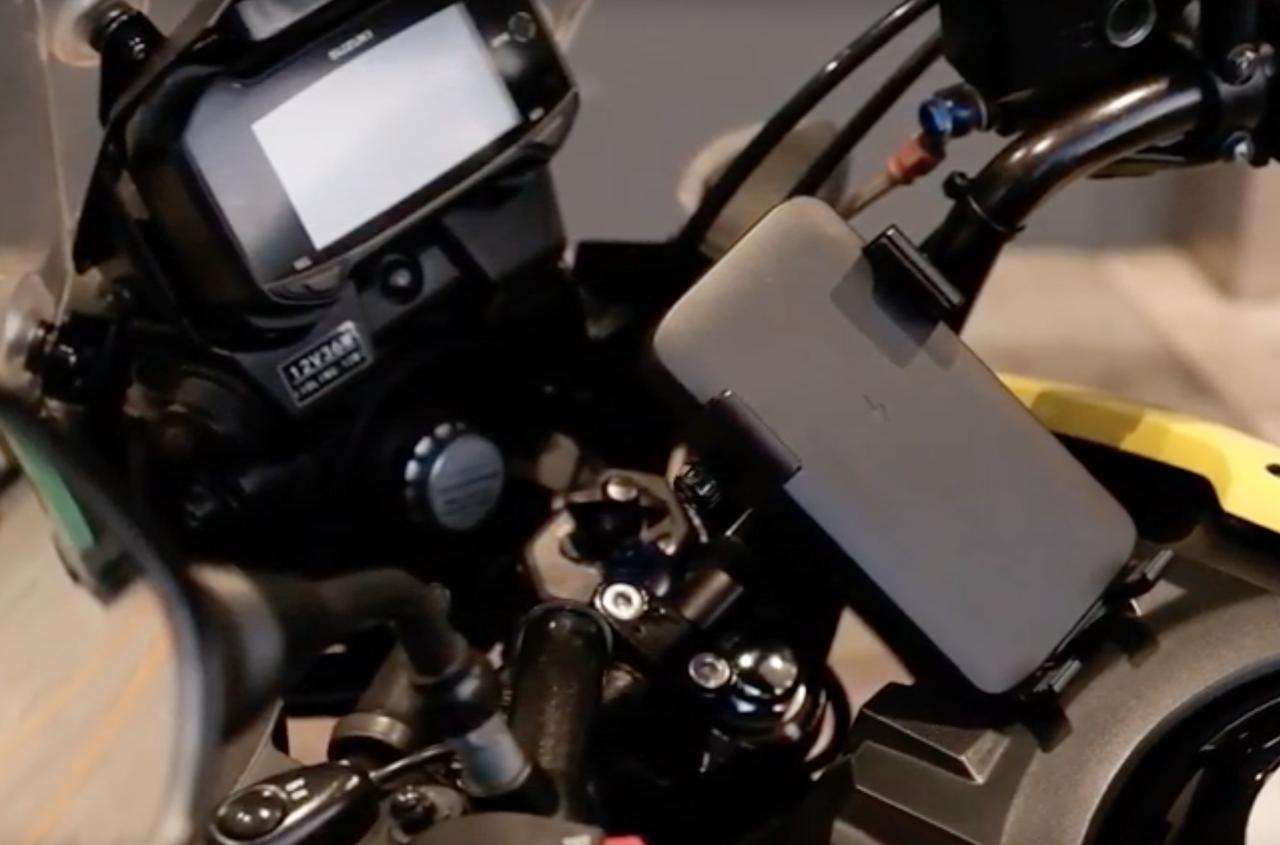 Images : 5番目の画像 - WIRELESS CHARGER & BIKE MOUNTの写真をもっと見る - webオートバイ