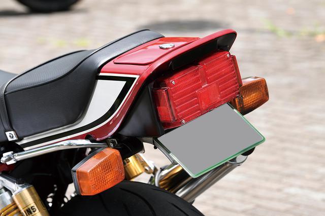 画像: 前後ウインカーやヘッドライト、テールレンズ等はCB-Fのノーマルをそのまま使用した。テール部分はフェンダーレス加工も行う。