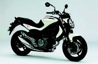 スズキ グラディウス650/ABS 2012 年