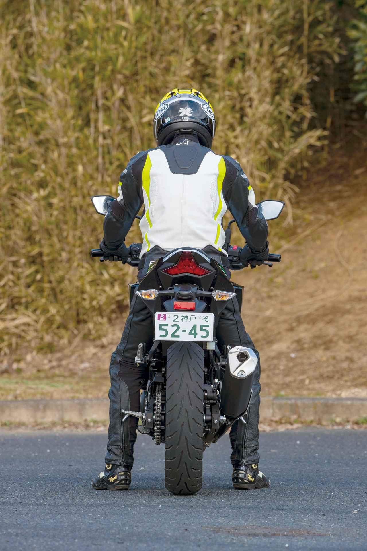 画像3: 【250ccスポーツバイク比較検証】Ninja ZX-25R・CBR250RR・YZF-R25・Ninja250・GSX250R〈装備・メーター・足つき性編〉
