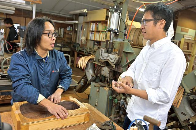 画像: 手工生産にこだわるヤイリギター。職人さんたちは、いつも使い手の意見を尊重してくれます。