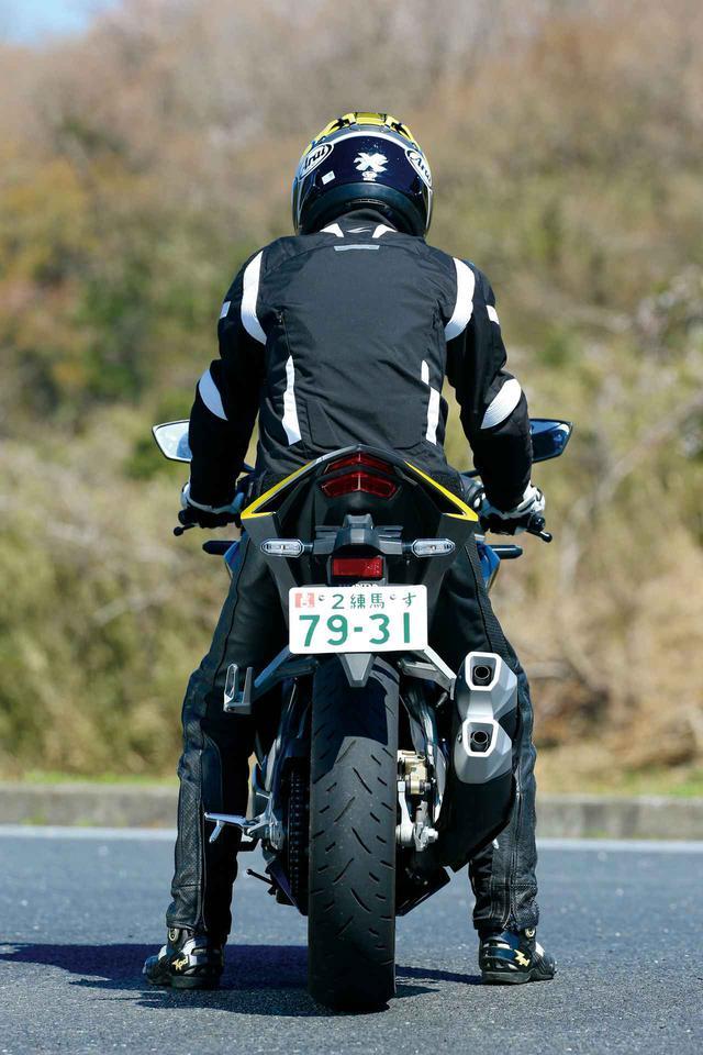 画像1: 【250ccスポーツバイク比較検証】Ninja ZX-25R・CBR250RR・YZF-R25・Ninja250・GSX250R〈装備・メーター・足つき性編〉