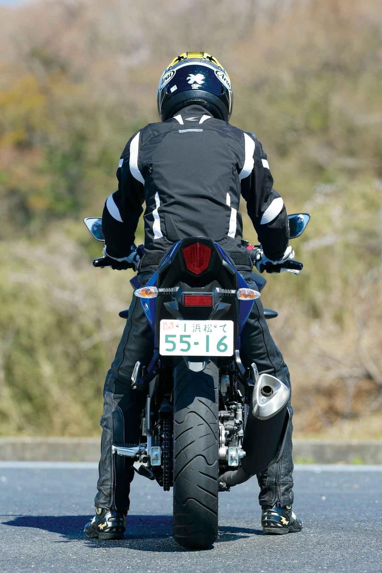画像4: 【250ccスポーツバイク比較検証】Ninja ZX-25R・CBR250RR・YZF-R25・Ninja250・GSX250R〈装備・メーター・足つき性編〉