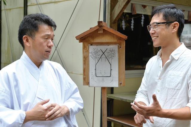 画像: 茅の輪は基本的に手作り。各地の茅ノ輪一つ一つに人の想いが込められていると、佐藤さん。