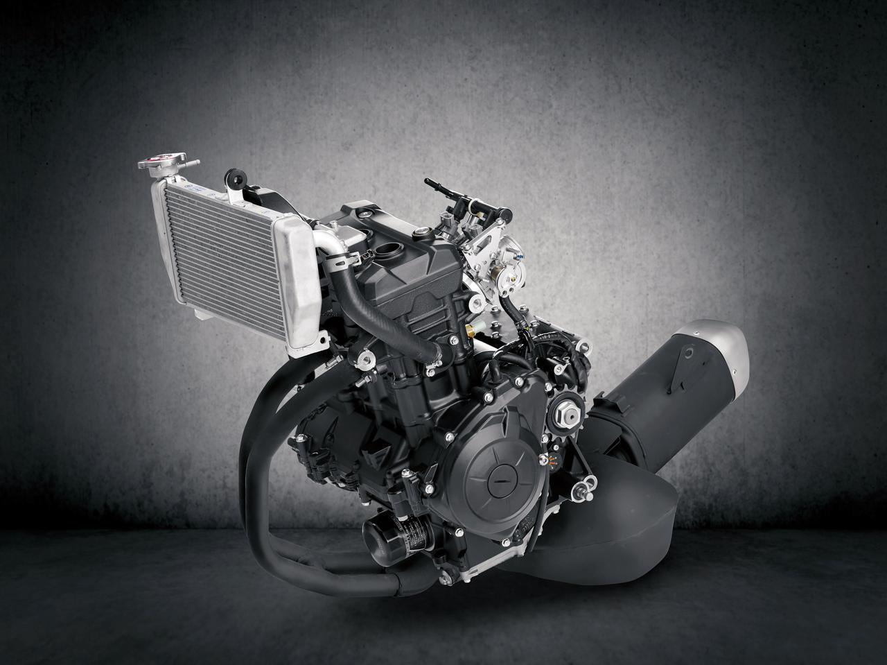 画像: アルミ鍛造ピストン、オールアルミシリンダー、浸炭コンロッドを採用したDOHCツイン。