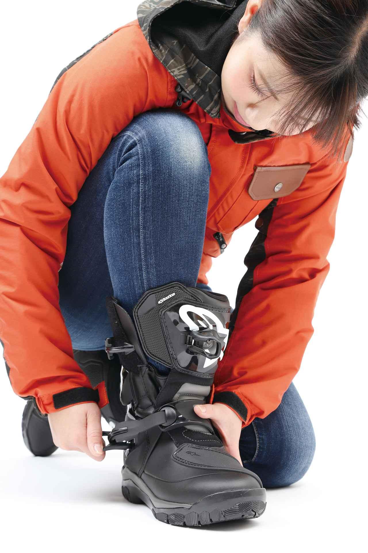 Images : 5番目の画像 - 「全天候型でしかも歩きやすい! アドベンチャー・ツーリングにちょうどいいアルパインスターズ「ベリーズ ドライスター ブーツ」」のアルバム - webオートバイ