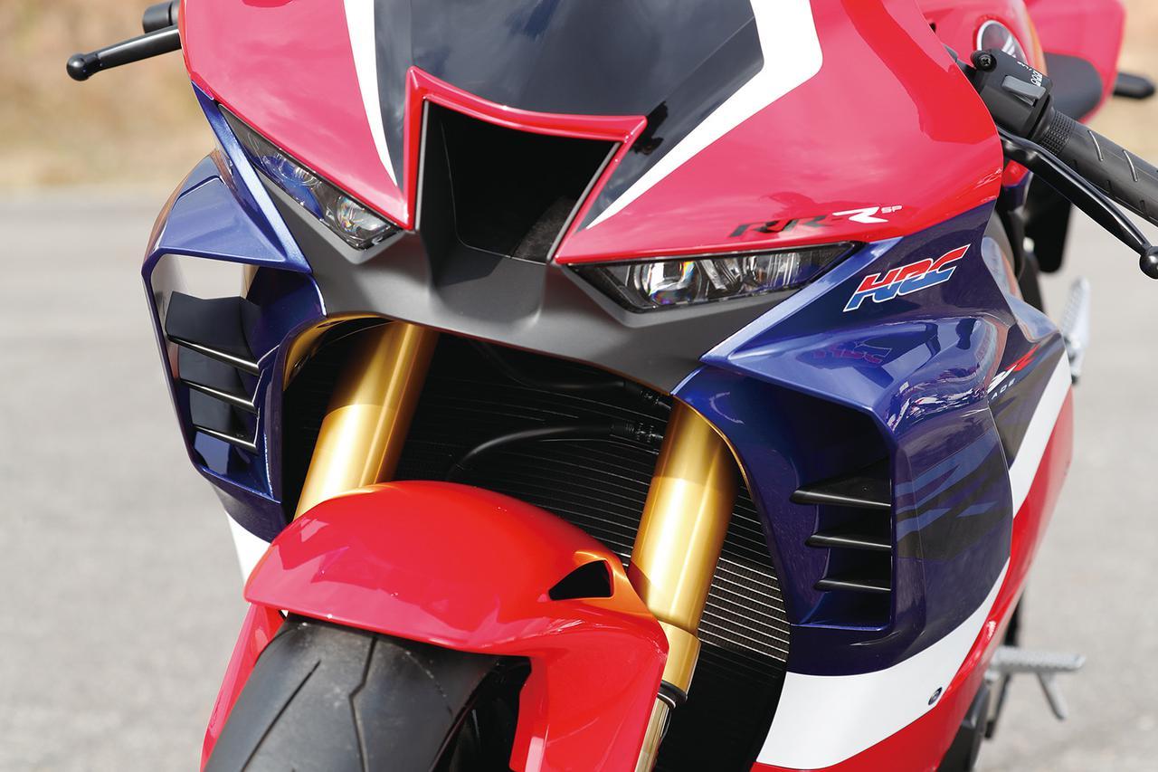 Images : 5番目の画像 - 「【CBR1000RR-R徹底攻略①】ついに日本降臨!! 史上最強CBR、スタンバイ完了!<スタイリング編>」のアルバム - LAWRENCE - Motorcycle x Cars + α = Your Life.