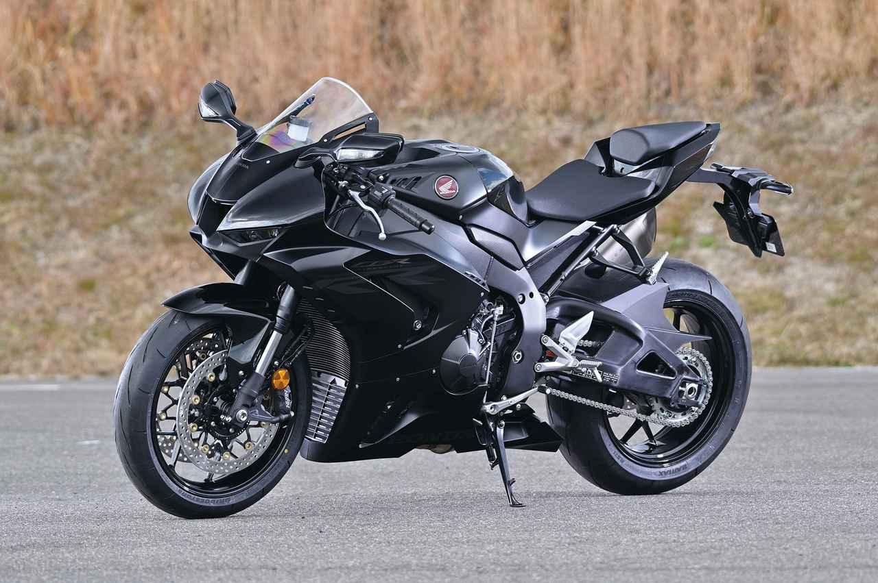 Images : 21番目の画像 - 「【CBR1000RR-R徹底攻略①】ついに日本降臨!! 史上最強CBR、スタンバイ完了!<スタイリング編>」のアルバム - LAWRENCE - Motorcycle x Cars + α = Your Life.