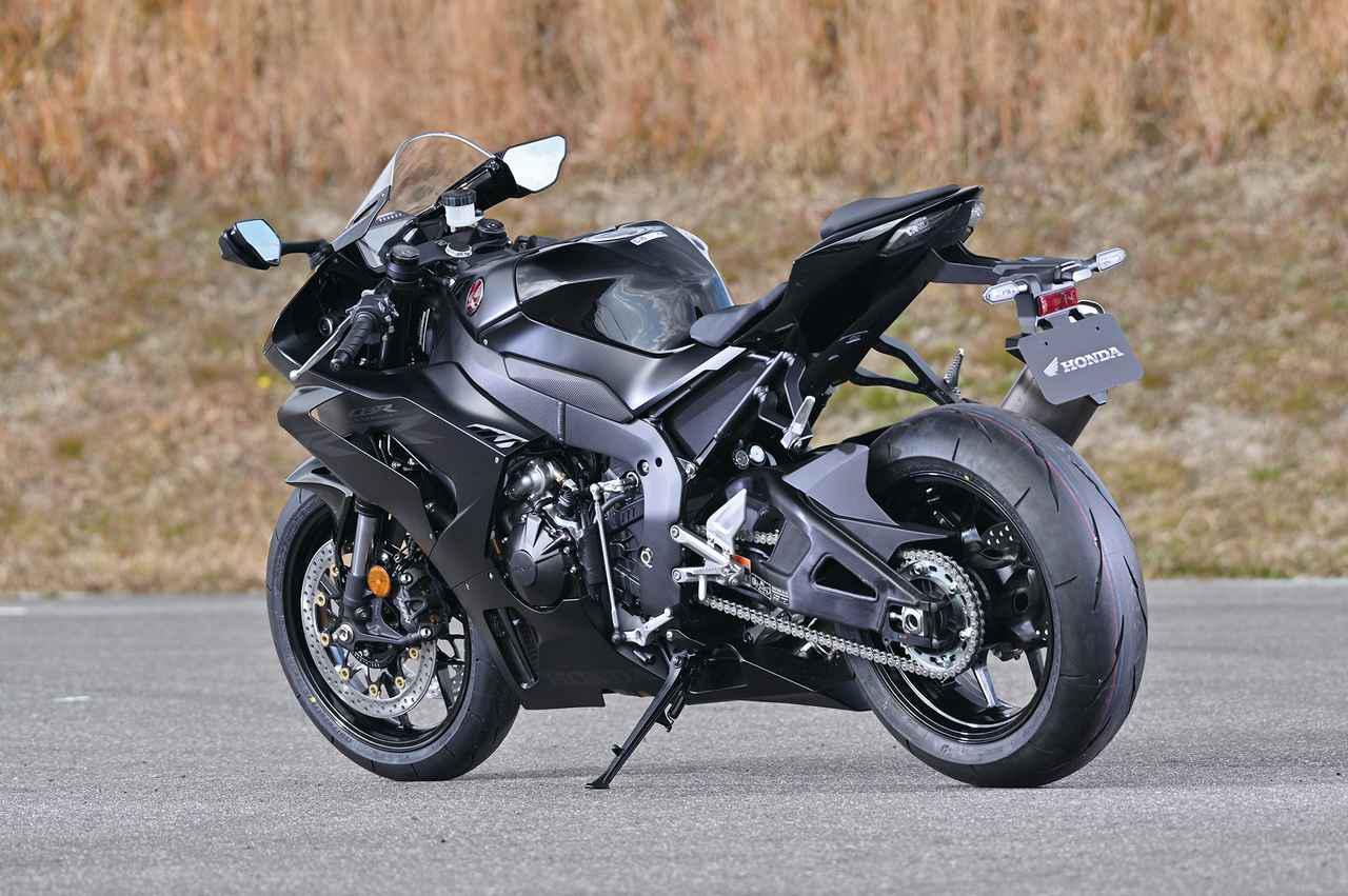 画像: スタンダードのRR-Rには2色が用意される。SPとの共通色であるトリコロールと、この「マットパールモリオンブラック」だ。