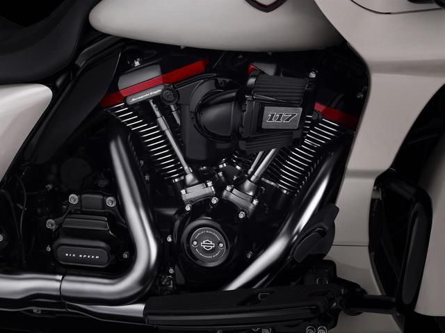 画像2: 排気量は1923cc! エンジン、装備、カラーまで特別仕様のCVOにロードグライドが加わった!