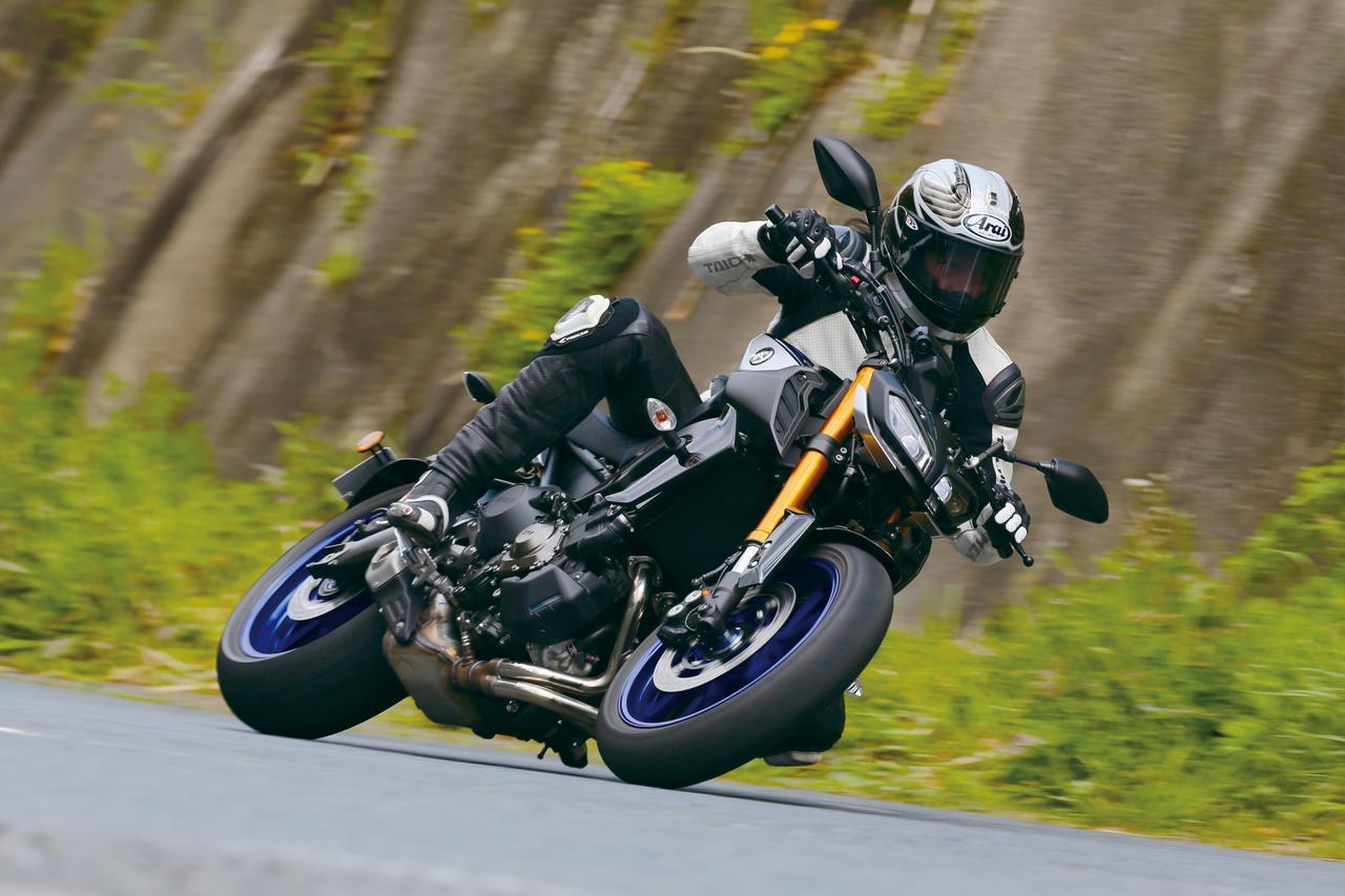 """画像: 【試乗インプレ】オーリンズで格段の進化を遂げた""""攻めのMT""""【YAMAHA MT-09 SP ABS】(2018年) - webオートバイ"""