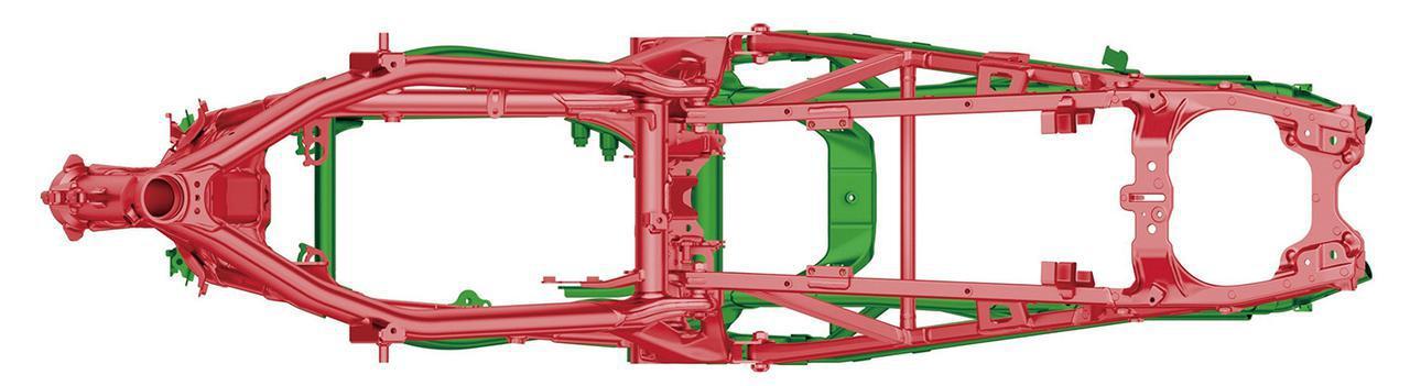 画像: 赤い部分が新型。メインパイプ形状を見直して剛性バランスを最適化している。