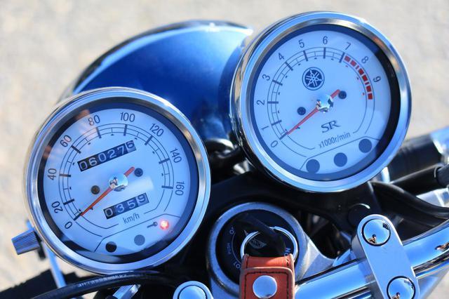 画像: 実燃費は、高速道路主体で約30km/L。信号の少ない下道で約27km/L。街中で約24km/Lでした。