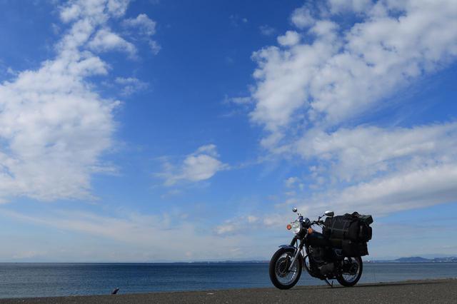 画像2: SR400のツーリングでは、景色をめいっぱい楽しめます。