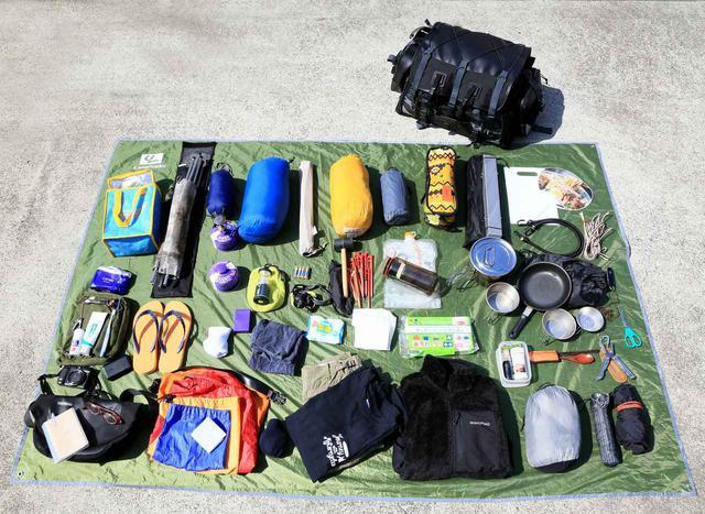 画像1: 僕がキャンプツーリングで持っていく標準的な装備はこちらです。