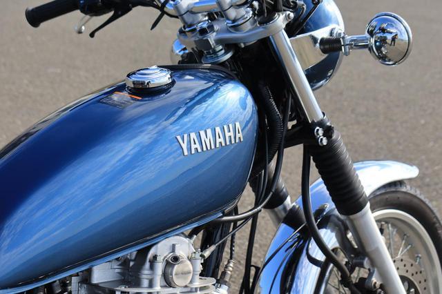 画像4: ヤマハ「SR400」キャンプツーリング・インプレ!積載方法・走り方・実燃費と、SR400だけが持つ魅力を元オーナーが解説