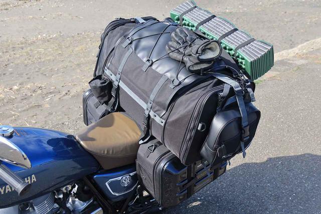 画像: 装着したバッグはTANAX「キャンピングシートバッグ2」(税別22,000円)、TANAX「ツアーシェルケース2」(税別31,500円)